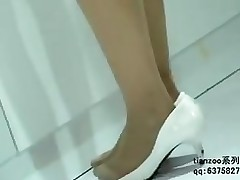candid oriental nylon legs shoeplay hostesses stockings tube
